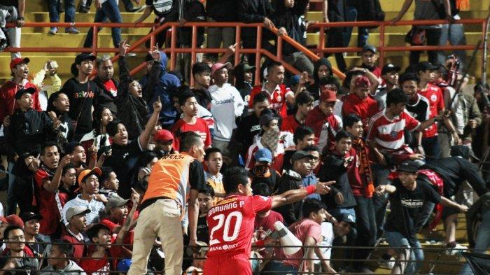 Laga Persija vs PSIS Semarang Berakhir Ricuh, Macan Kemayoran Merangsek ke Peringkat Keempat