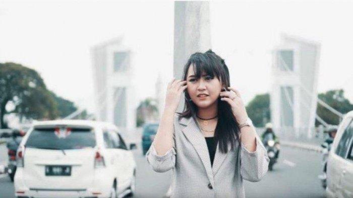 Lirik Lagu Dangdut 'Balik Kanan Wae' Happy Asmara : Aku Tresno Karo Kowe Nanging Aku Iso Opo