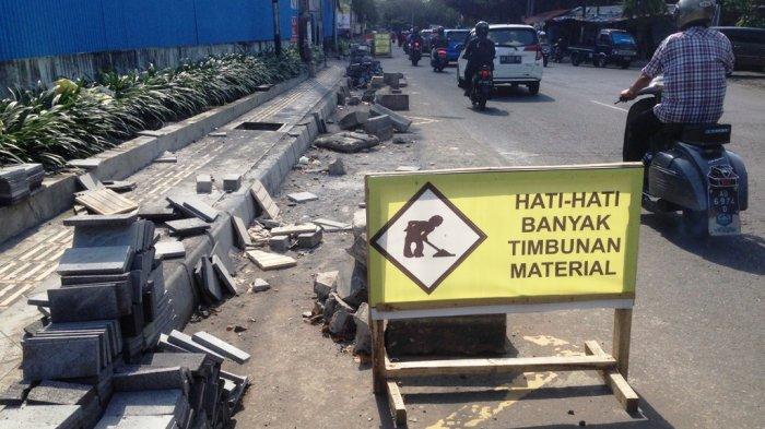 Pelebaran Pedestrian Sebabkan Lalu Lintas Tersendat di Jalan Colombo