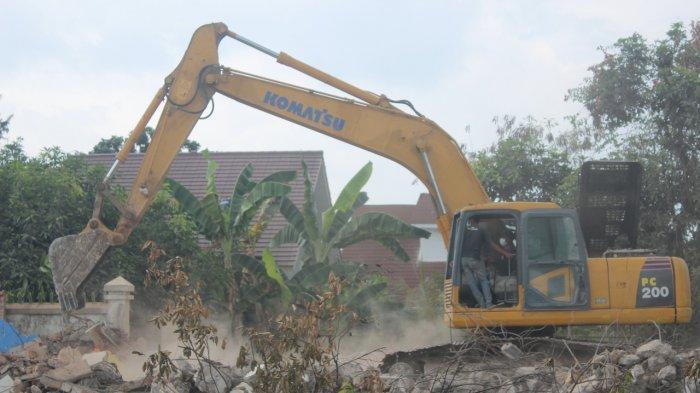 Rumah dan Lahan di Kalasan Sleman Mulai Diratakan dengan Tanah untuk Proyek Tol Yogya-Solo