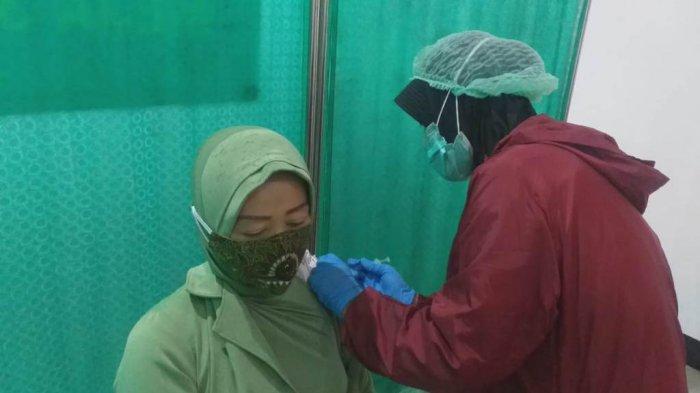 Persit Kodim Magelang Ikut Sukseskan Program Vaksinasi