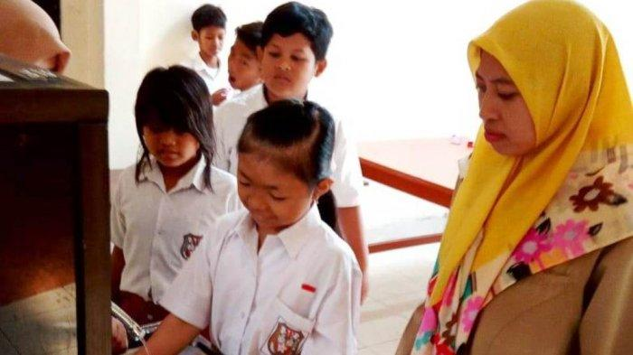 Mahasiswa UNY Ciptakan Media Pembelajaran Kebersihan Diri untuk Siswa Tunagrahita