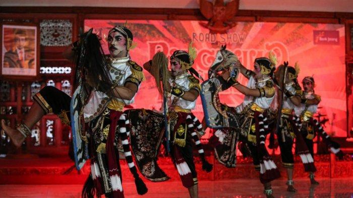 Bentuk Perhatian Pada Seniman, Gubernur Ganjar Pranowo Berikan Bantuan Gamelan
