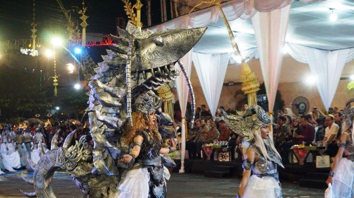 Mewahnya Kostum Peserta di Wayang Jogja Night Carnival 2019