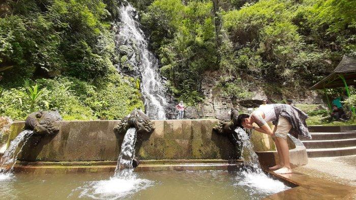 Pesona Air Terjun Sumuran yang Tersembunyi di Kaki Bukit dan Rindangnya Hutan Pinus di Magelang
