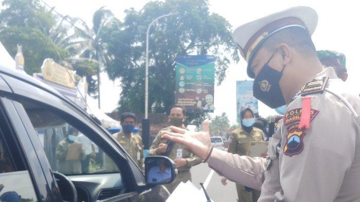Petugas Gabungan Kabupaten Magelang Lakukan Pencegatan di Tugu Ireng
