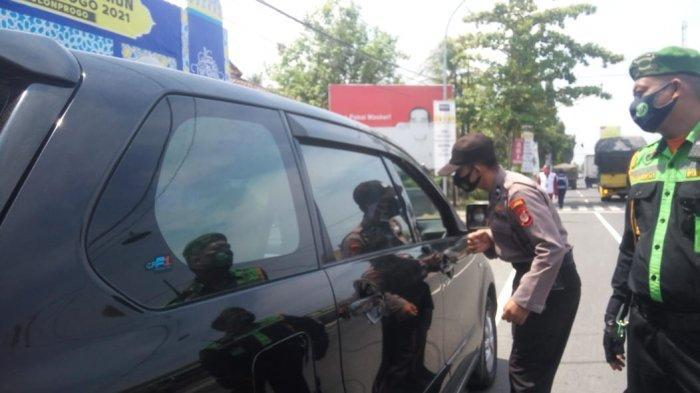 Hari Pertama Penyekatan di Pospam Temon Kulon Progo, 6 Kendaraan Diminta Putar Balik