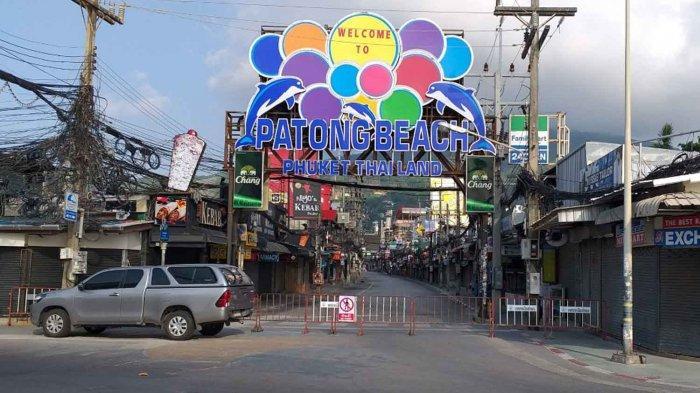 Salah satu spot wisata di Phuket Thailand sepi saat COVID-19 melanda negara ini.