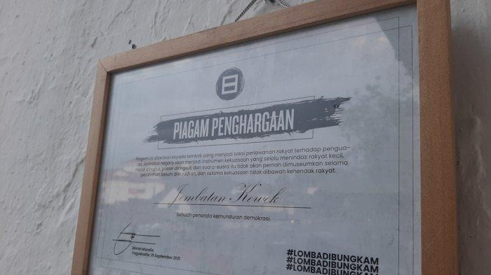 Piagam penanda kemunduran demokrasi di Jembatan Kewek, Rabu (15/9/2021)