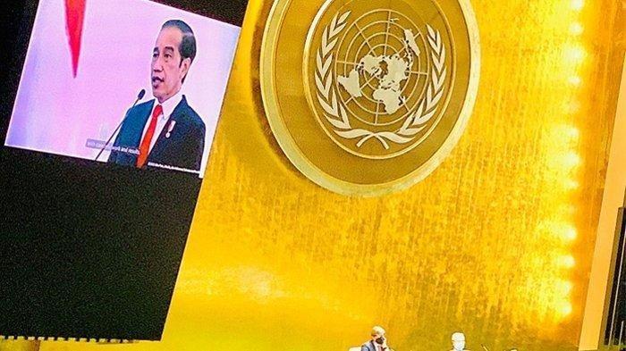 Presiden Joko Widodo (Jokowi) menyampaikan pidatonya pada sesi debat umum Sidang Majelis Umum ke-76 Perserikatan Bangsa-Bangsa (PBB) secara virtual dari Istana Kepresidenan Bogor, Jawa Barat, Kamis pagi, (23/9/2021).