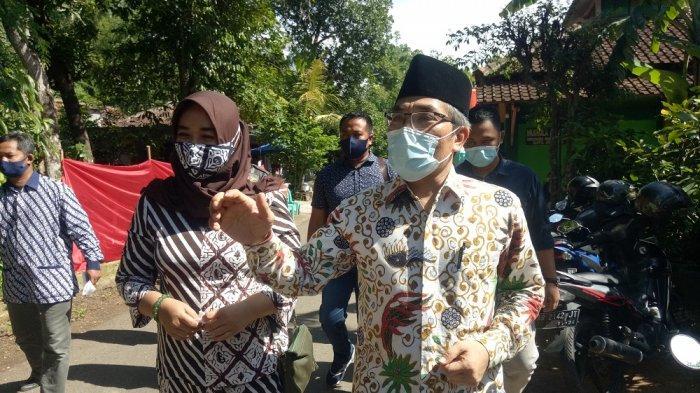 Pendukung Siap Gundul dan Jalan Kaki Bila Pasangan Abdul Halim Muslih - Joko Purnomo Menang