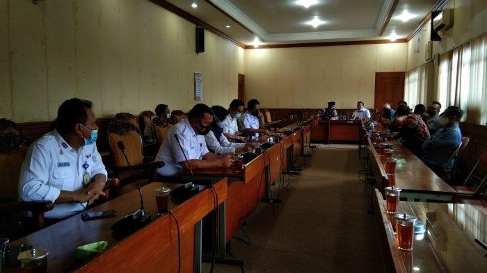 Pedagang Stasiun Klaten dan PT KAI Daops VI Yogyakarta Gelar Audiensi