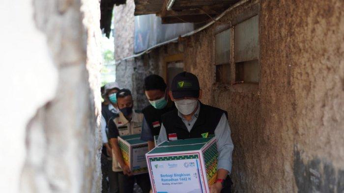 Program Bingkisan Ramadhan untuk Keluarga Dhuafa dari PLN Bagikan Ratusan Paket Sembako