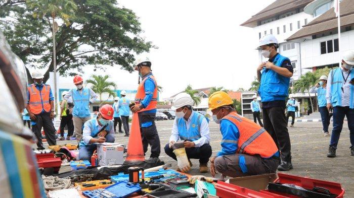 PLN Unit Pelaksana Pelayanan Pelanggan (UP3) Yogyakarta melakukan Apel Gelar Peralatan dan Pasukan Siaga Tanggap Bencana