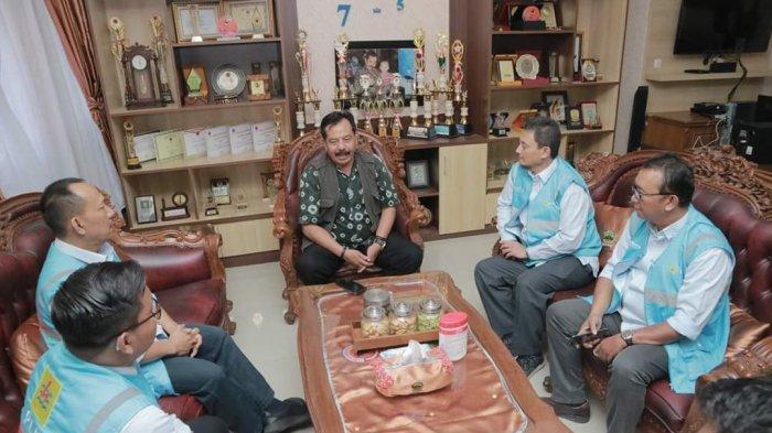 PLN Salurkan Bantuan Untuk Korban Gempa Maluku
