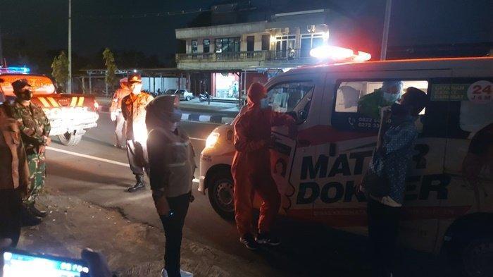 Razia Prokes COVID-19, Pedagang dan Pembeli di Prambanan Klaten Jalani Swab Acak Antigen di Tempat