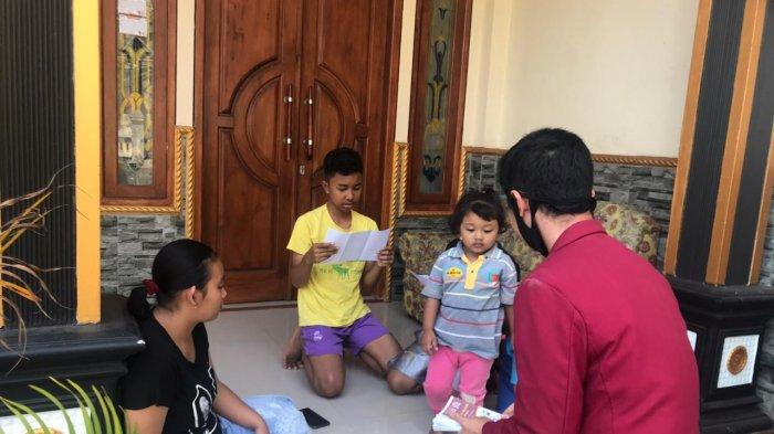 PMM Kempompok 86 Universitas Muhammadiyah Malang Bantu Warga Rejosari Belajar Daring