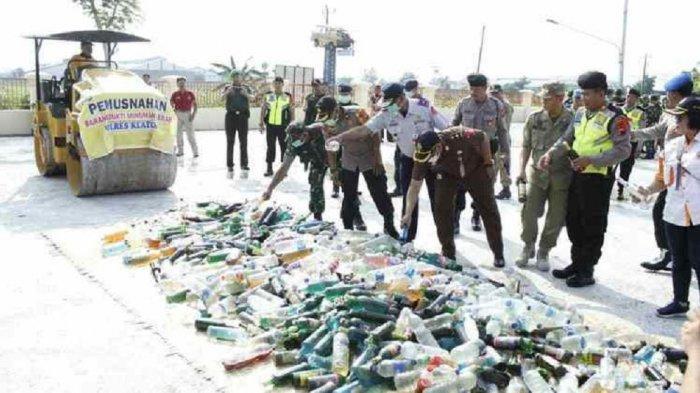Polres Klaten Musnahkan 753 Botol Miras