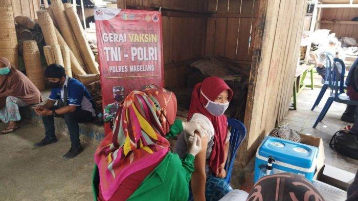 Polres Magelang Buka Gerai Vaksin Presisi di Pasar Tradisional untuk Para Pedagang