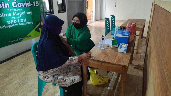 Vaksinasi Tahap Ketiga untuk Masyarakat Umum Direncanakan Tahun Depan, Saat ini Prioritas Nakes