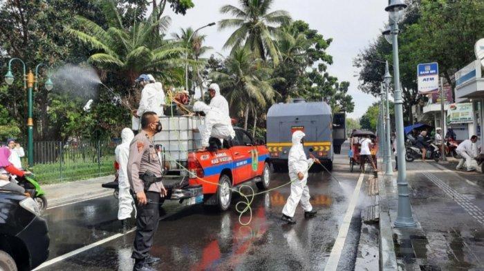 Polres Magelang Lakukan Penyemprotan Disinfektan pada Fasilitas Umum