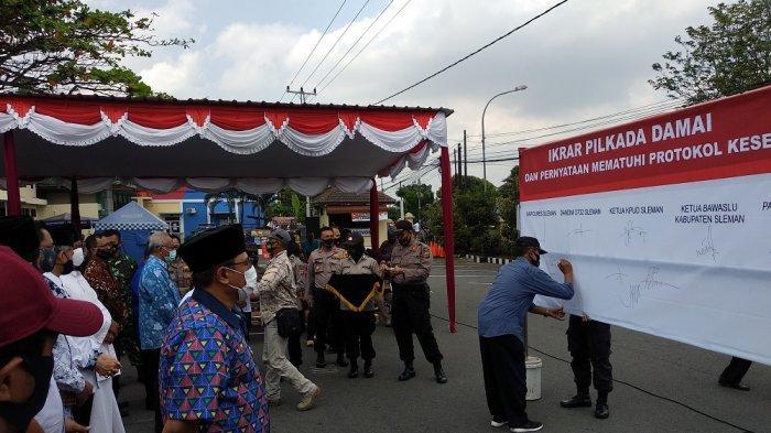 Belum Masa Kampanye, Bawaslu Sleman Imbau Bapaslon Turunkan APK Secara Mandiri
