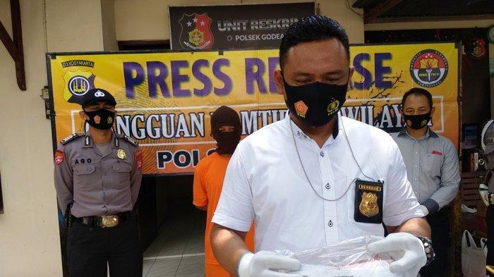 Gelapkan 750 Kardus Mie Instan, Dua Pelaku Ditangkap Jajaran Polsek Godean