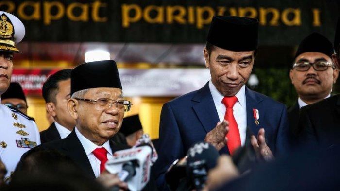 Presiden Joko Widodo dan Wakil Presiden, Maruf Amin memberikan keterangan pers setelah acara pelantikan presiden dan wakil presiden di Komplek Parlemen, Senayan, Jakarta, Minggu (20/10/2019).