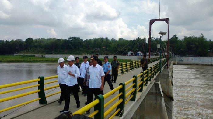 Jokowi Berharap Bendung Kamijoro Dongkrak Kesejahteraan Petani