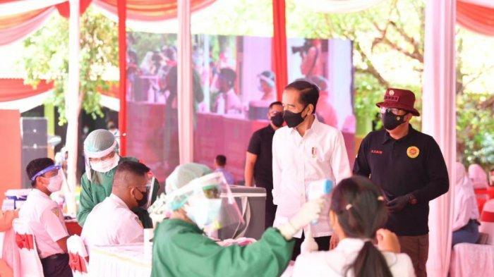 Presiden Jokowi Tinjau Vaksinasi Ribuan Pelajar yang Diselenggarakan BIN di 9 Provinsi
