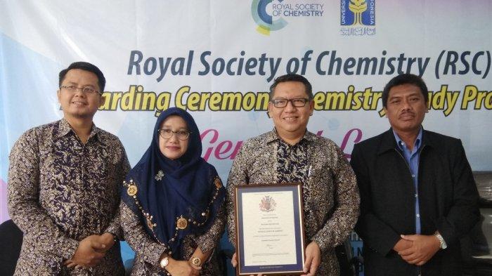 Prodi Kimia UII Raih Akreditasi Internasional dari RSC Inggris