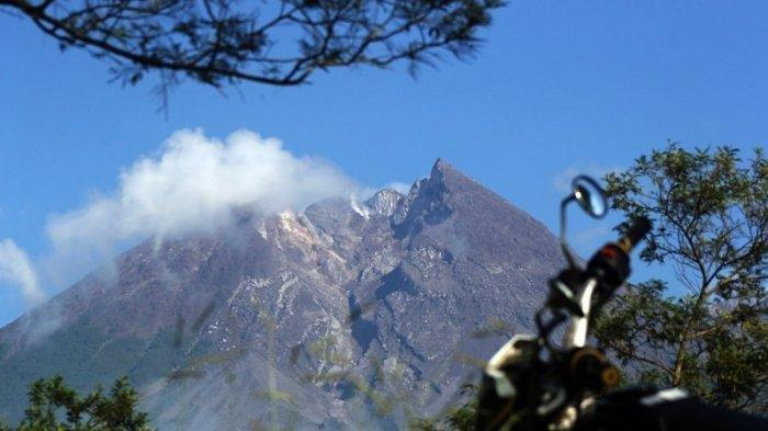 Aktivitas Gunung Merapi Selasa 12 Oktober 2021: Ada 12 Kali Guguran Lava Pijar hingga Pagi Ini