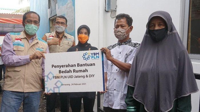 YBM PLN Berikan Bantuan Bedah Rumah Senilai Rp 93 Juta kepada Warga di Semarang