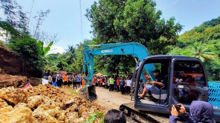 Evakuasi Jasad Penambang yang Tertimpa Batu di Ponjong Gunungkidul Dibantu Alat Berat