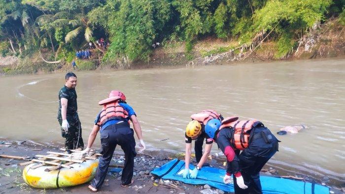 Damkar Kabupaten Magelang Evakuasi Mayat di Sungai Progo, Diduga Korban Tenggelam di Temanggung