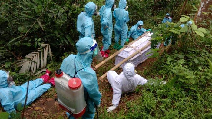 Proses perjalanan pembawa jenazah suspect Covid-19 di Kalibawang Kulonprogo