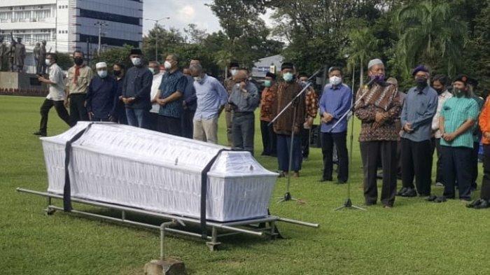 BREAKING NEWS: Prof Drs Bambang Soeroto Rektor Pertama UPN Veteran Yogyakarta Meninggal Dunia