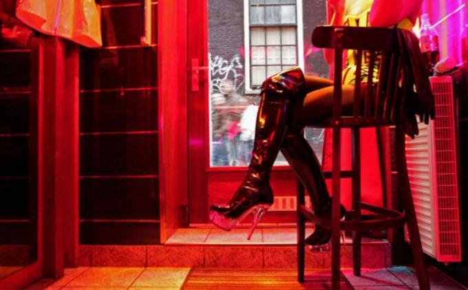Kisah Pilu Gadis ABG Terjebak Jaringan Prostitusi: Akan Dijadikan PSK, LL Pura-pura Mandi Lalu Kabur