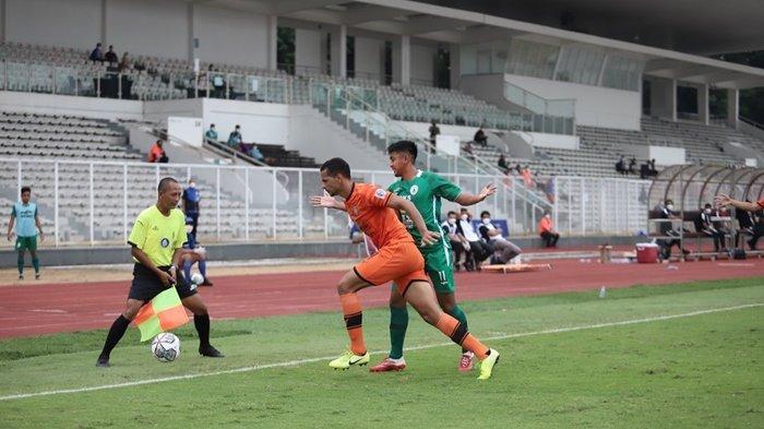 PSS Sleman saat melawan Persiraja Banda Aceh di Stadion Madya, Senayan, Jakarta, Sabtu (11/9/2021)