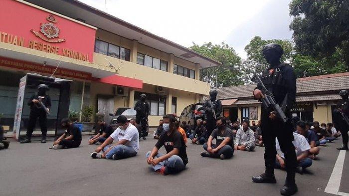 Puluhan Orang Geruduk Kantor BPR di Solo, Lalu Intimidasi Karyawan