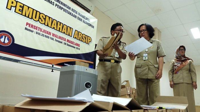 Puluhan Ribu Berkas Permohonan KTP dan KK Kedaluarsa di Kota Magelang Dimusnahkan