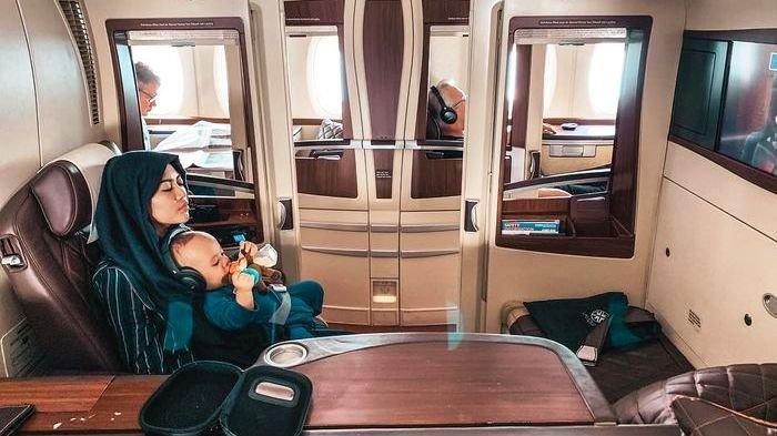 Begini Rasanya Naik Pesawat Suite First Class yang Harganya Setara 30 Penumpang Ekonomi