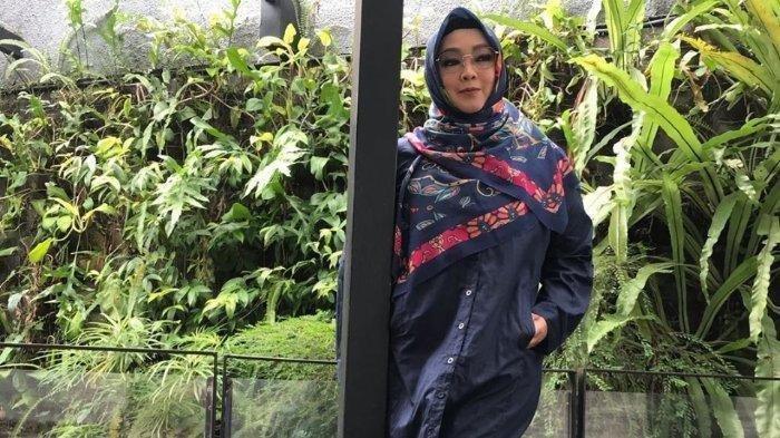 Potret terbaru Rina Gunawan setelah jalani diet.