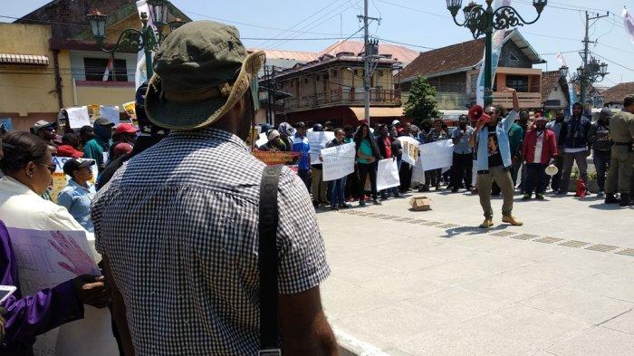Ratusan Mahasiswa Papua Adakan Aksi Damai