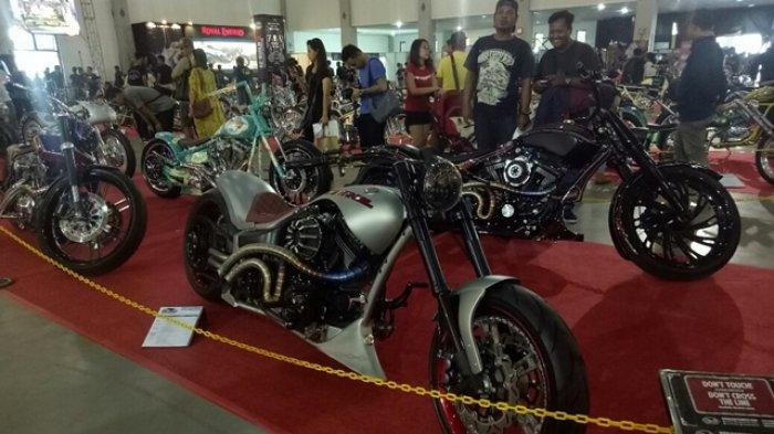 Ratusan Motor dan Puluhan Mobil Ramaikan Kustomfest 2019 di Jogja Expo Center