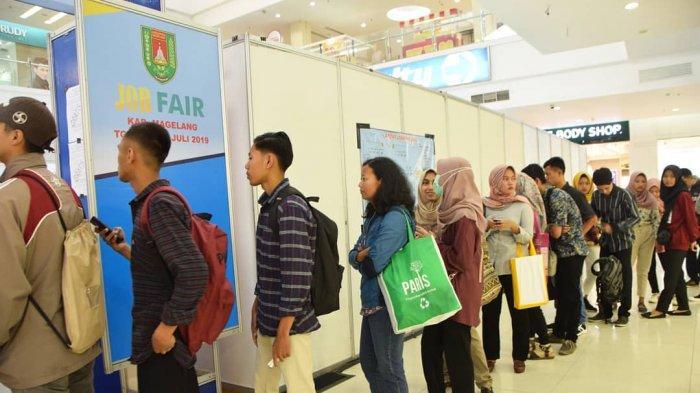 Ratusan Pencari Kerja Berburu Lowongan di Jobfair Kabupaten Magelang