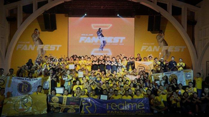 Ratusan Penggemar Realme Meriahkan Realme Fan Fest 2019