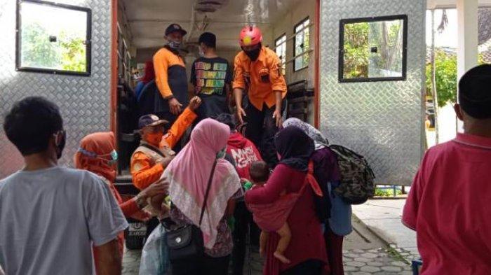 Ratusan Pengungsi Merapi di Barak Banyurojo Magelang Pulang ke Rumah