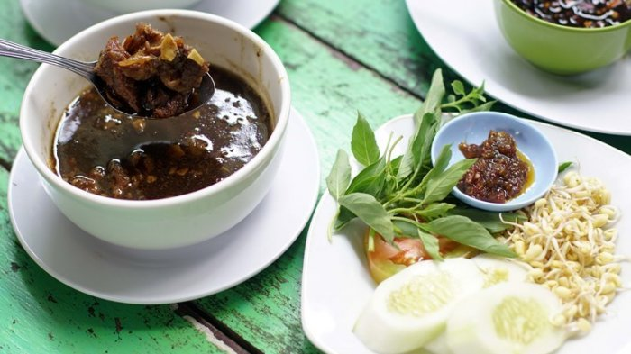 Kuliner Khas Jawa Timur Rawon Dinobatkan Sebagai Menu Sup Terenak se-Asia, Berikut Daftarnya