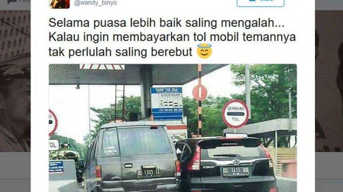 Foto Viral yang Dikira Mobil Rebutan Masuk Tol Ternyata Begini Kejadian Sebenarnya